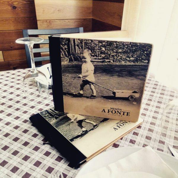 carta de madera con fotografía